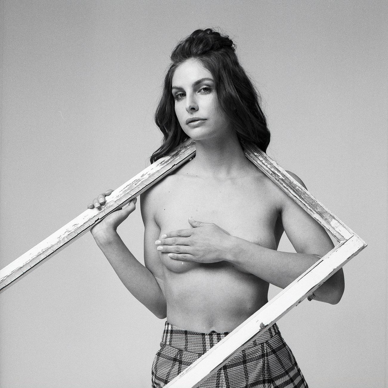 Ines Estelle Kahn - Studio6-9